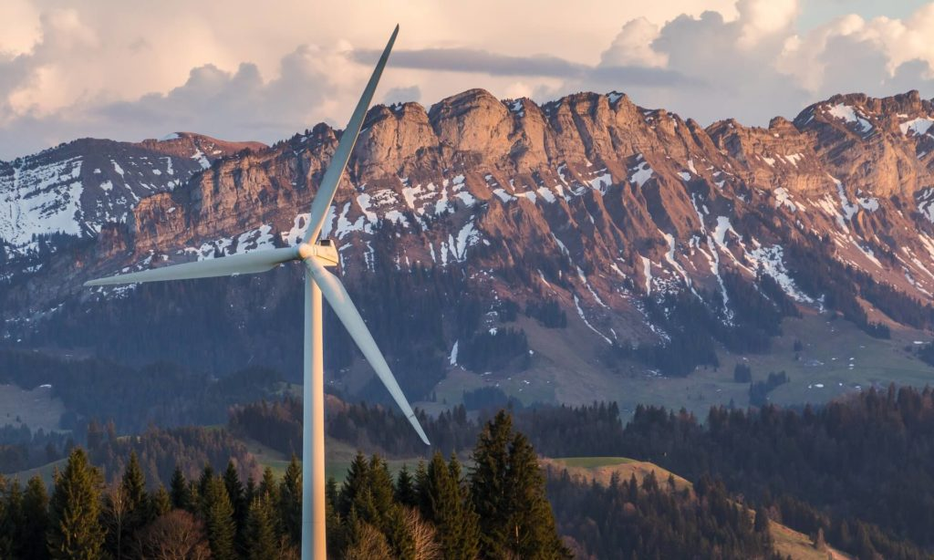 Heat Treating Toughens Wind-Turbine Components Against Extreme Conditions
